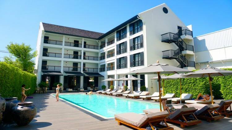 布里斯里精品酒店(Buri Siri Hotel)