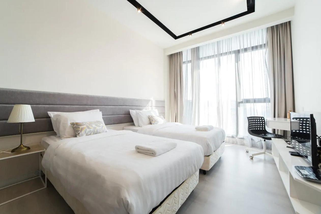 吉隆坡住宿-吉隆坡民宿-【無邊際泳池】EZR-柔白陽光公寓